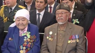 Аким Алматинской области спел для ветеранов ВОВ