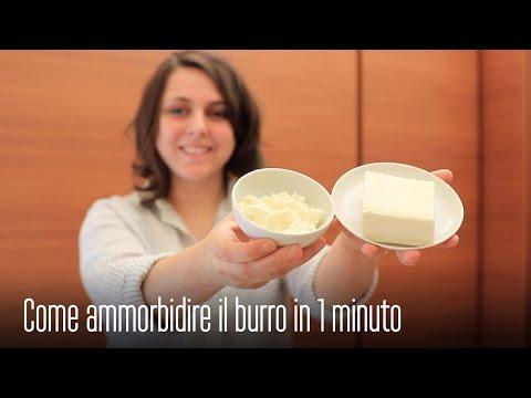 Affronti pacchi con fiocchi di latte e crema