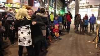 preview picture of video 'Comencen els actes de Carnaval d'Andorra la Vella i Escaldes amb la Penjada del Carnestoltes'