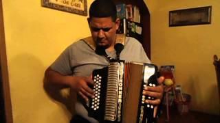 R.HERNANDEZ PLAYING TRADTIONAL CORITOS ESTILO NORTENO CON ACCORDION