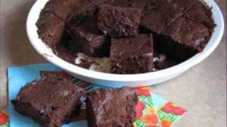 Gluten free recipes – Chocolate Chip Cookie Bar recipe from Yummee Yummee!