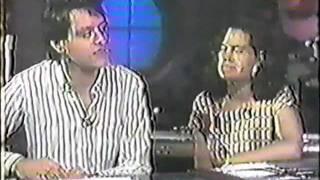 John Lombardo & Natalie Merchant interview - 10,000 Maniacs