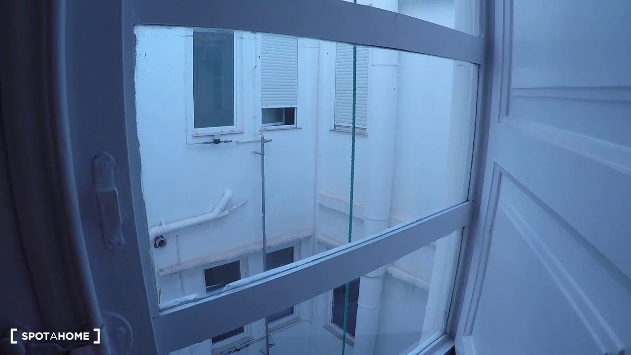 Single Bed in Rooms for rent in a 5-bedroom apartment with terrace in L'Eixample