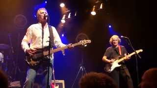 preview picture of video 'John Illsley - Sultans Of Swing - Hengelo 2015'
