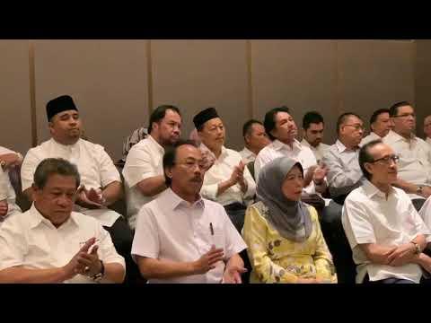 TERKINI! Kepimpinan UMNO Sabah Keluar Parti Sokong Tun M