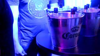 Jueves de Bebedores en La Gruta Azul
