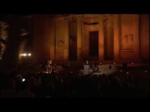 , title : 'Luciano Pavarotti - Individual tributes to the tenor'