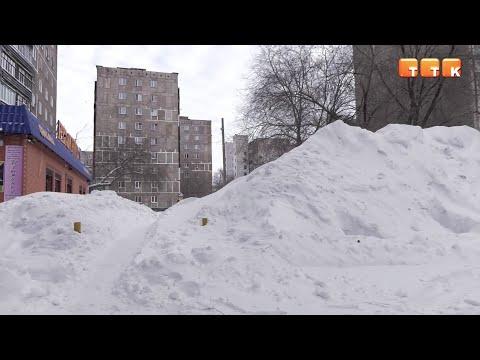 Предпринимателям дали три дня на вывоз снега с территорий объектов бизнеса