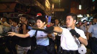 Police fight back Hong Kong demonstrators