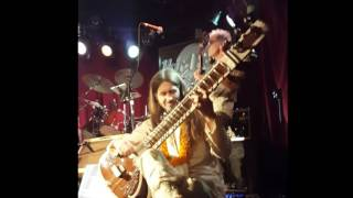 """Love You To"" (Beatles Cover) - Sitar at the Hard Rock Cafe Toronto"
