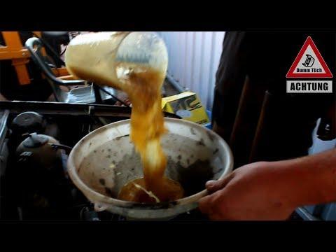 Der Rest des Benzins beim Anbrennen des Lämpchens ford der Brennpunkt