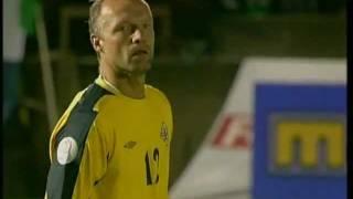 Northern Ireland 3 - 2 Spain (06/09/2006) - David Healys First Goal