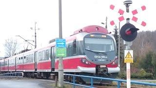 preview picture of video 'ED72A-005 na Przejeździe Kolejowym w Suchej Beskidzkiej MEGA 2xRp1'
