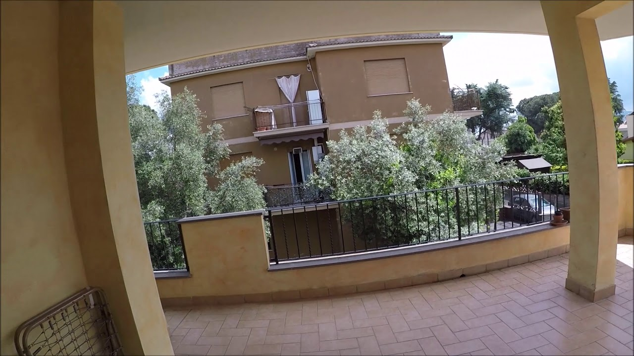 Single Bed in Rooms and beds for rent in bright 5-house in Cinecittà