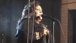 "KIM BURRELL SINGS ""OH HOW I LOVE JESUS"""