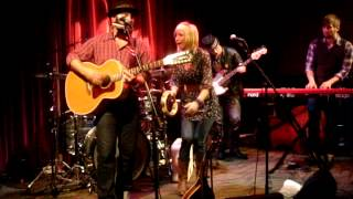 Drew Holcomb - Nothing Like a Woman.MPG