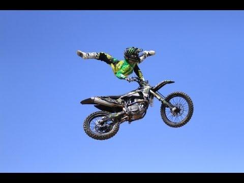 פעלולי אופנועים עוצרי נשימה!