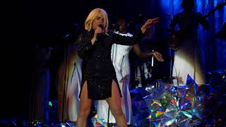 Paloma Faith   Make Your Own Kind Of Music Live Delamere Forest 10 06 18