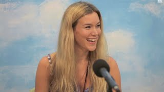"Joss Stone sings @ Children's Hospital ""Tell Me What We're Gonna Do Now"""