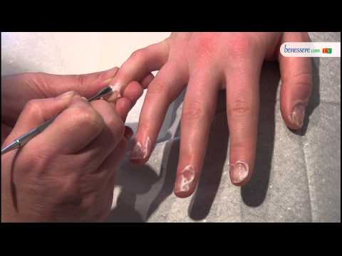 Estetica: i segreti per una manicure professionale a casa