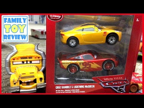 Disney Cars 3 Toys Review - Cruz Ramirez & Gold Metallic Paint Lightning McQueen Diecast Toys Cars