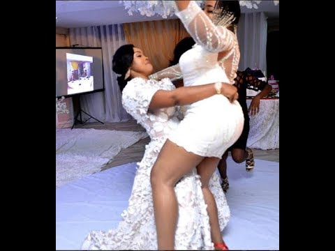 """LOL! Kemi Afolabi Dances """"ONE CORNER"""" With Mercy Aigbe At Her 40th Birthday Party"""