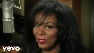 Donna Summer - The Queen Is Back (in-studio music video)