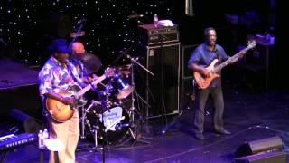 "Taj Mahal Trio LRBC 2011 ""You're Gonna Need Somebody On Your Bond"""