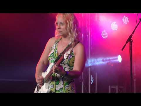 Chantel McGregor - Help Me @ Cambridge Rock Festival 2014