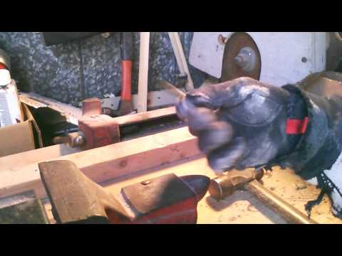 Download How To Easily Make an Arrowhead out of a Nail HD Mp4 3GP Video and MP3