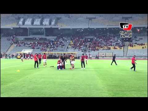 استقبال خاص من جماهير الأهلى لـ«كوليبالي» في أول ظهور له واللاعب يتجه لتحيتهم