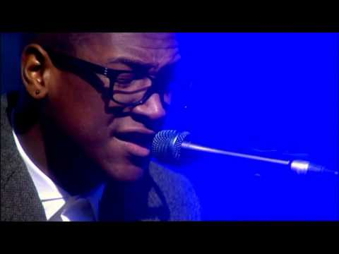 Labrinth - Beneath Your Beautiful (Live This Morning)