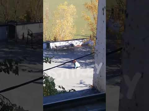 В Якутске странное поведение женщины привлекло внимание прохожих