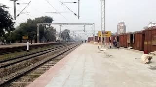 preview picture of video 'Sapt Kranti Superfast Express Arrival at Bettiah(BTH).'