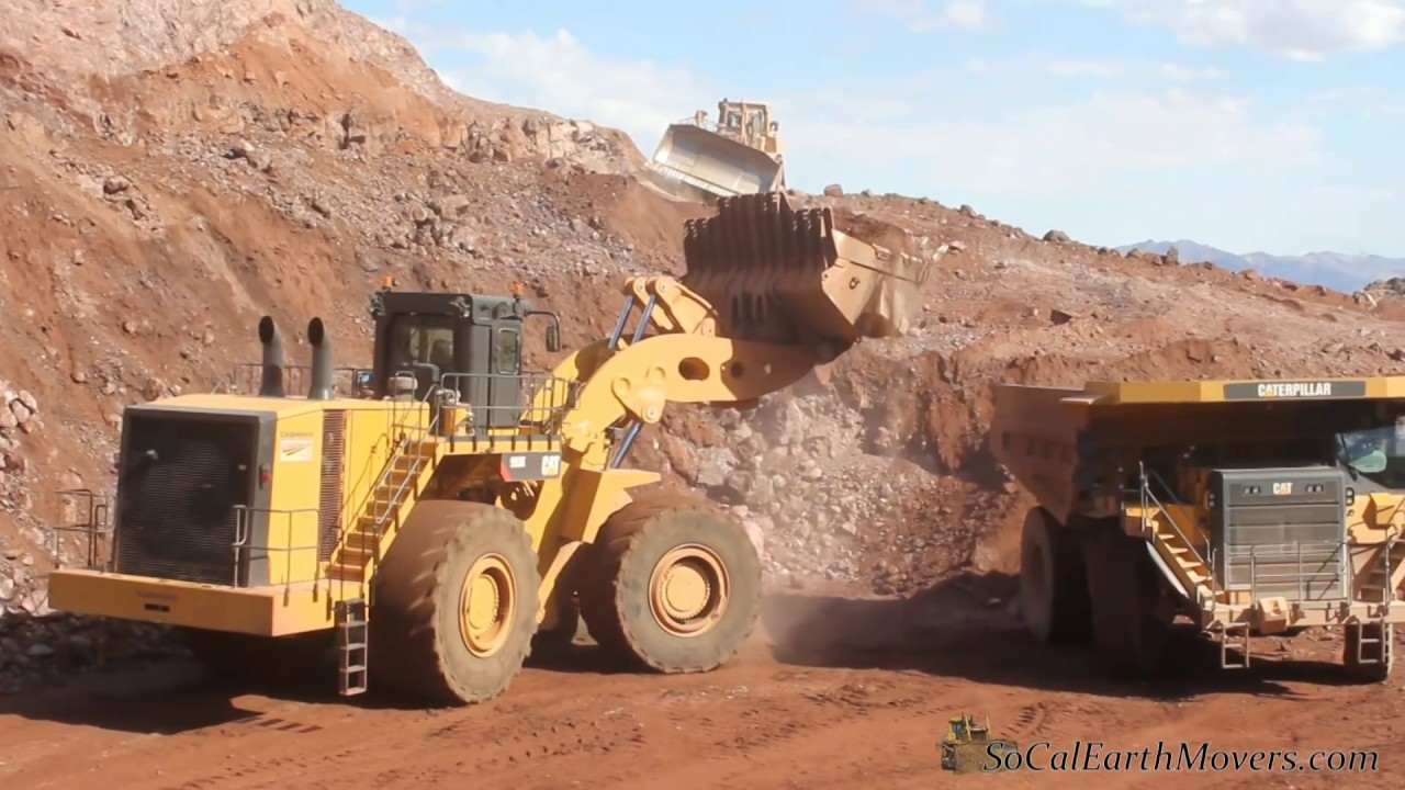 CAT 993K loading 777G's on I-11 Project