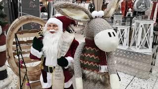 Selgros in Hilden: Frohlockende Weihnachtsausstellung