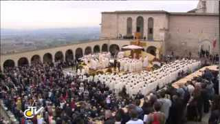 preview picture of video 'Prayer on the Tomb of St. Francis of Assisi and Holy Mass'