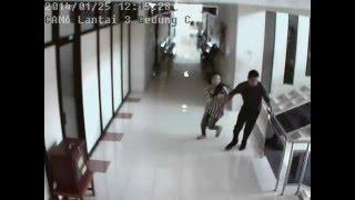 CCTV Rekaman Detikdetik Gempa Jogjakarta Part 2