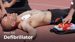 Learn first aid gestures: Learn how to use a defibrillator