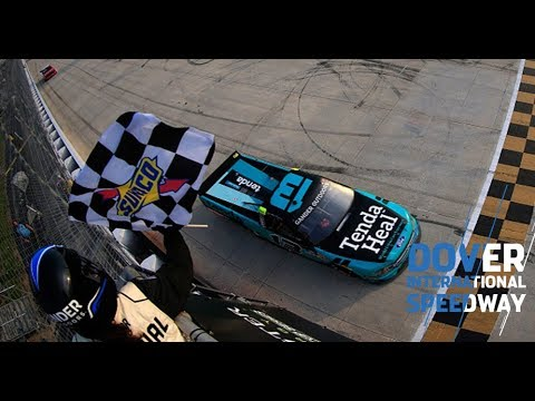 Johnny Sauter holds off Brett Moffitt for Dover victory