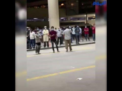 رغم تحذير «الصحة».. ازدحام أمام صالة الوصول بمطار الملك فهد