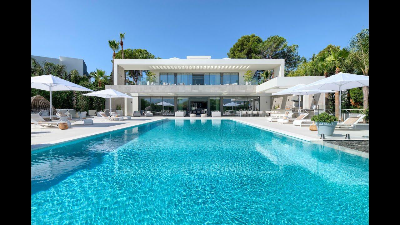 New contemporary style villa in front line golf for sale in Nueva Andalucia, Marbella