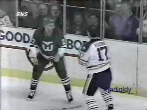 Scott Young vs Mike Foligno