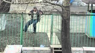Пьяный мужик и забор (mix)