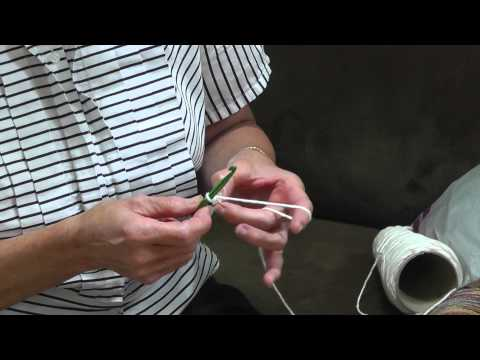 Free Tutorial for Beginners: Learn How to Make a Simple Dish Cloth with Crochet (Part 1)