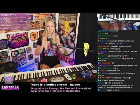 Striimaaja opettelee vaikean biisin pianolla noin 4 minuuttiin