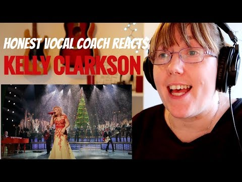 Vocal Coach Reacts to Kelly Clarkson 'Underneath the Tree'