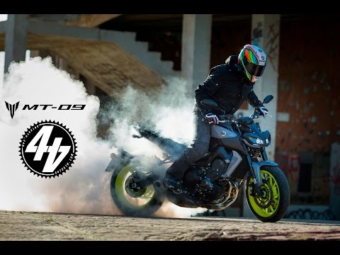 2017 Yamaha MT-09 Review | First Ride