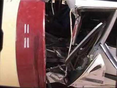 من الأرشيف.. شاهد أخطر حوادث السير على طريق روصو – فيديو