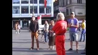 preview picture of video 'Montagsdemo - Mahnwache für den Frieden Halle (Saale) 2. Juni 2014, Teil 3 von 7'